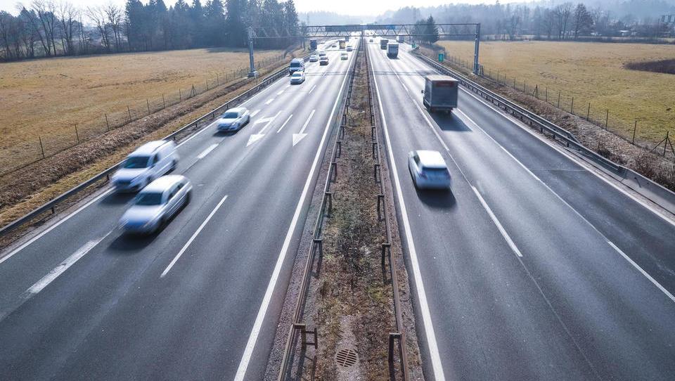 Pogajanja za evropski denar: koliko ga bomo imeli za ceste in železnice od leta 2021