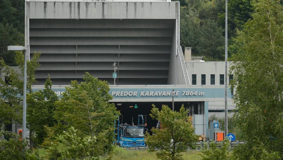 V Avstriji so odprli ponudbe za gradnjo druge cevi predora Karavanke, takšne so cene