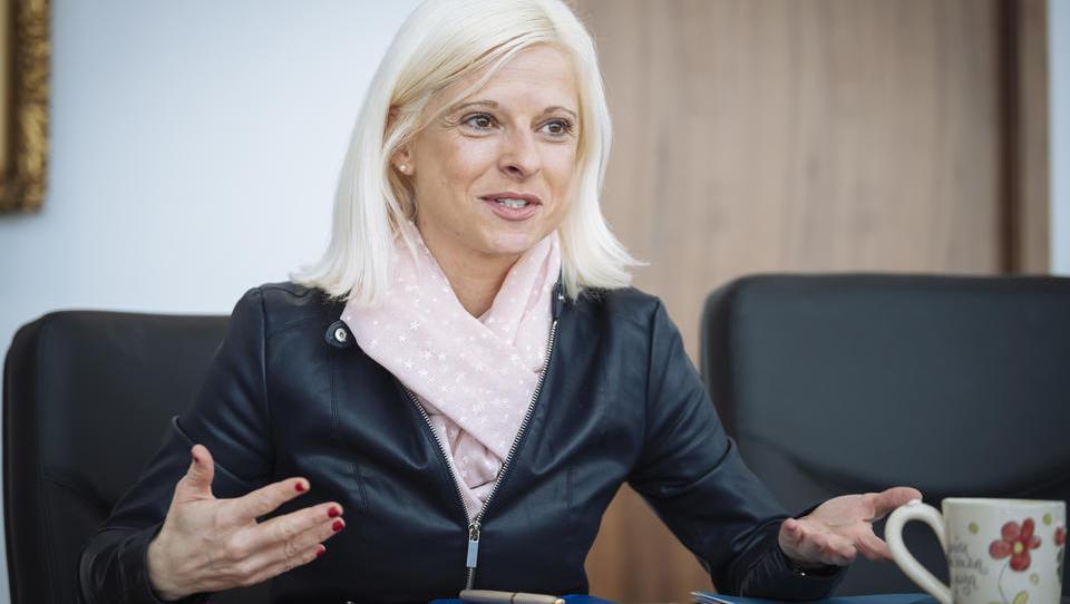 (intervju) Ksenija Klampfer: Največje kršitelje delovne zakonodaje bi bilo treba javno objaviti