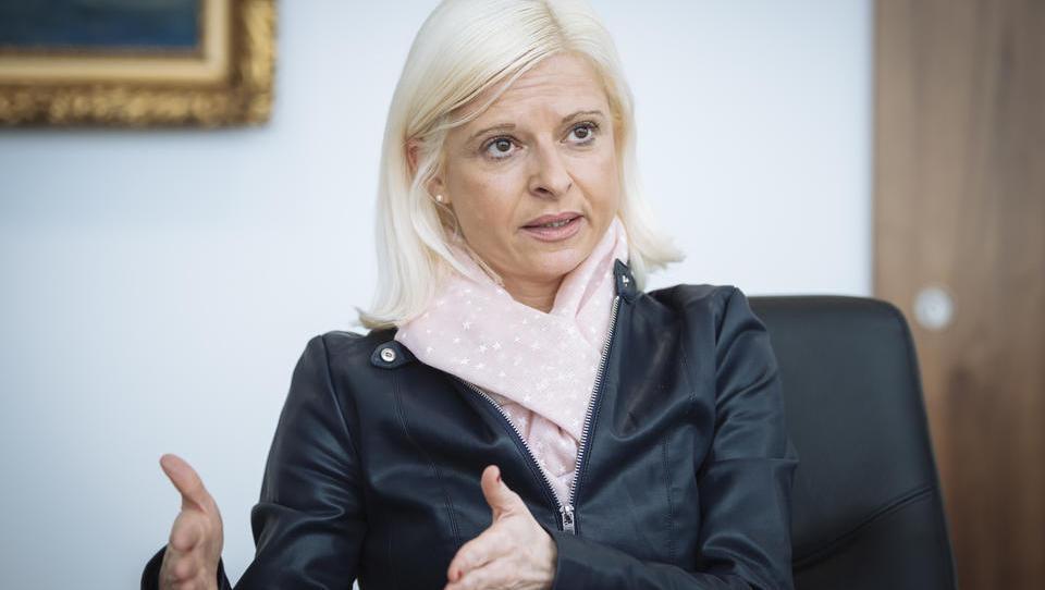 Klampferjeva napoveduje: predlog pokojninskih sprememb v dveh tednih