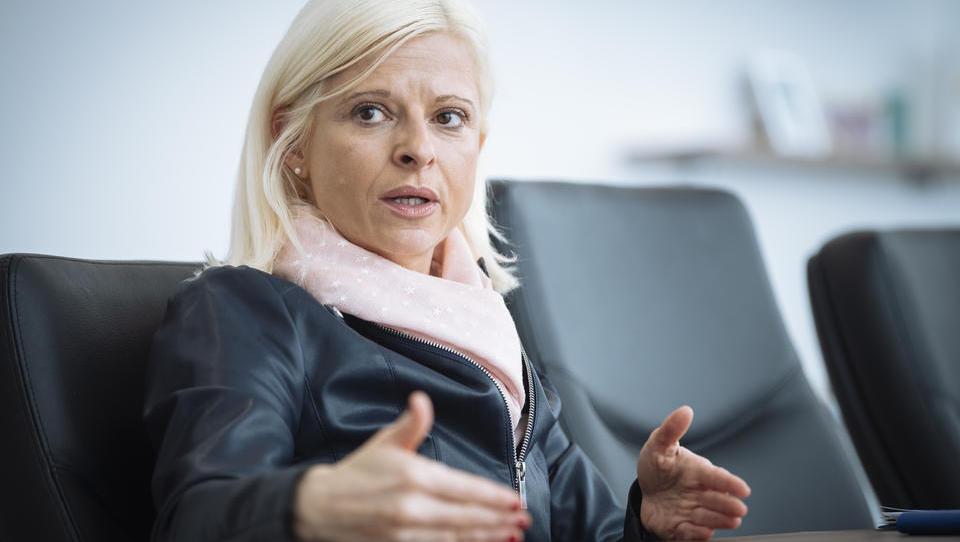 Z 1,2 milijona evrov bi Klampferjeva odpravljala medgeneracijske stereotipe