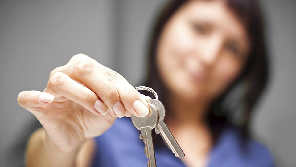 Oddajate stanovanje prek Airbnb? Na kaj morate paziti, da vas Durs ne udari po prstih