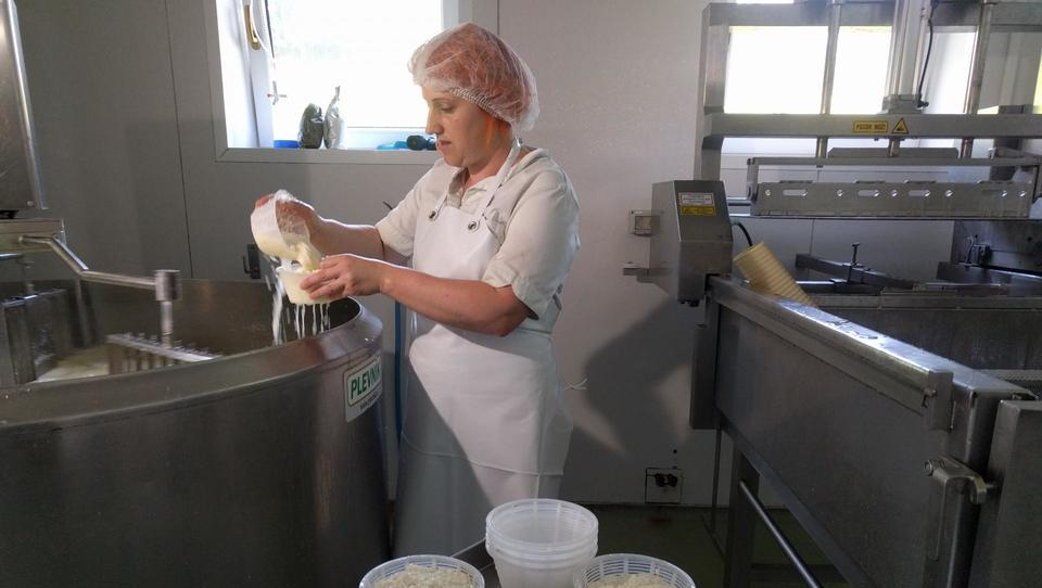 (video, foto) Kmetija na poti z Dunaja na morje. Ima tudi velnes