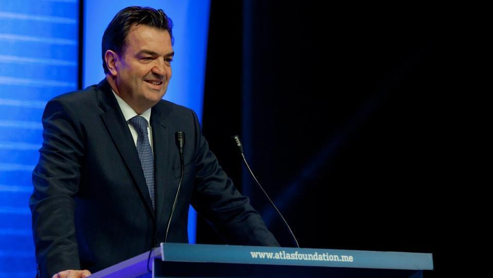 Bančno-politična drama v Črni gori: Kneževićevi IBM banka v stečaju, Atlas banka z izredno upravo