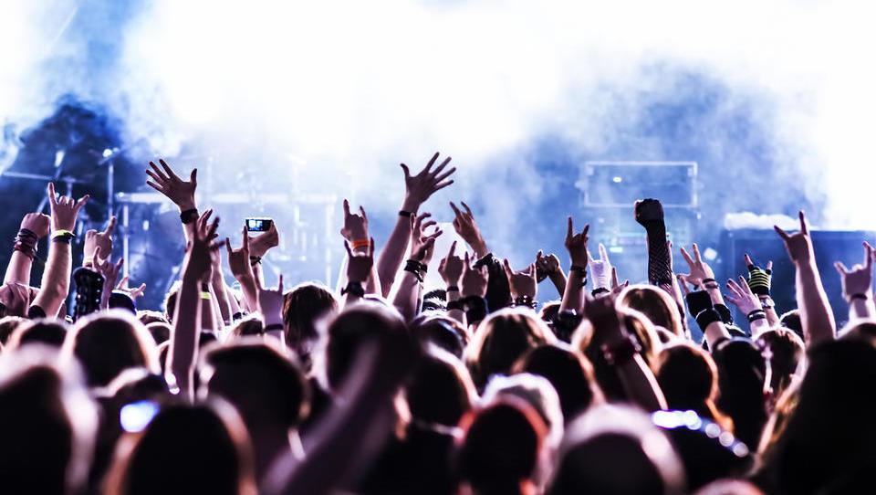 Kupil bi vstopnico za koncert. A kaj, če zbolim?