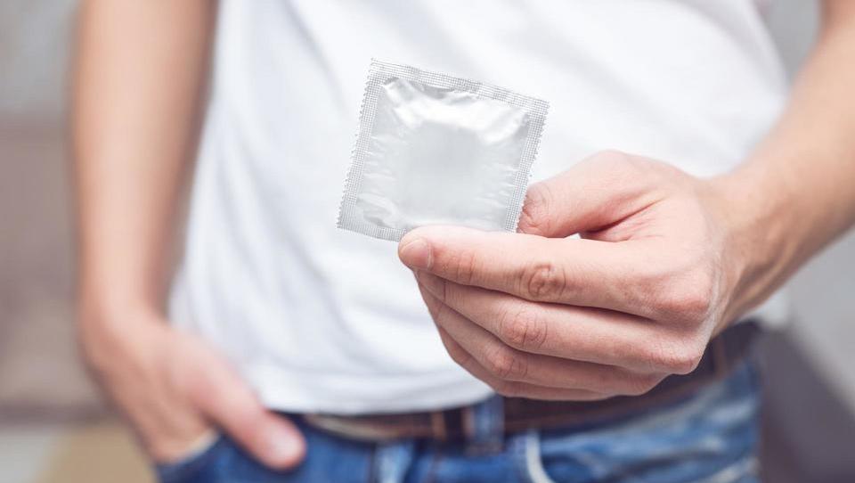 Število spolno prenosljivih okužb narašča tudi v Sloveniji
