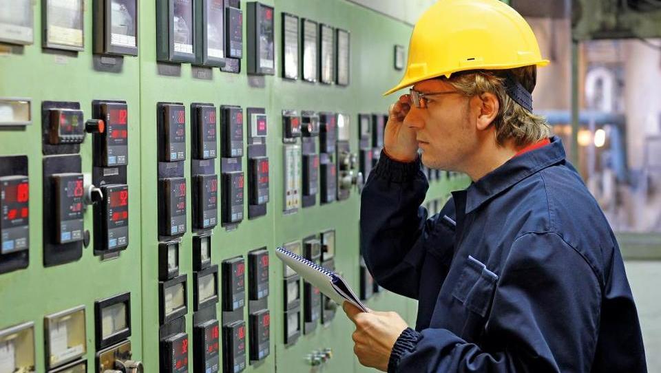 V energetiki plače v enem letu zrasle za 8,5 odstotka