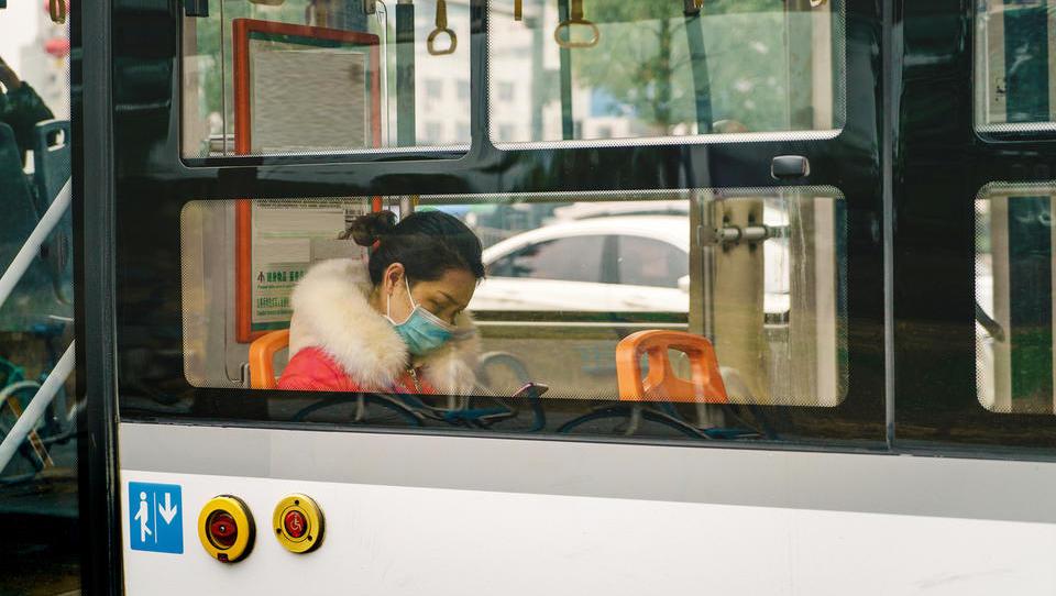 Kako lahko zaposlenemu plačate prevoz na delo, če ga zaradi koronavirusa nočete poslati na avtobus