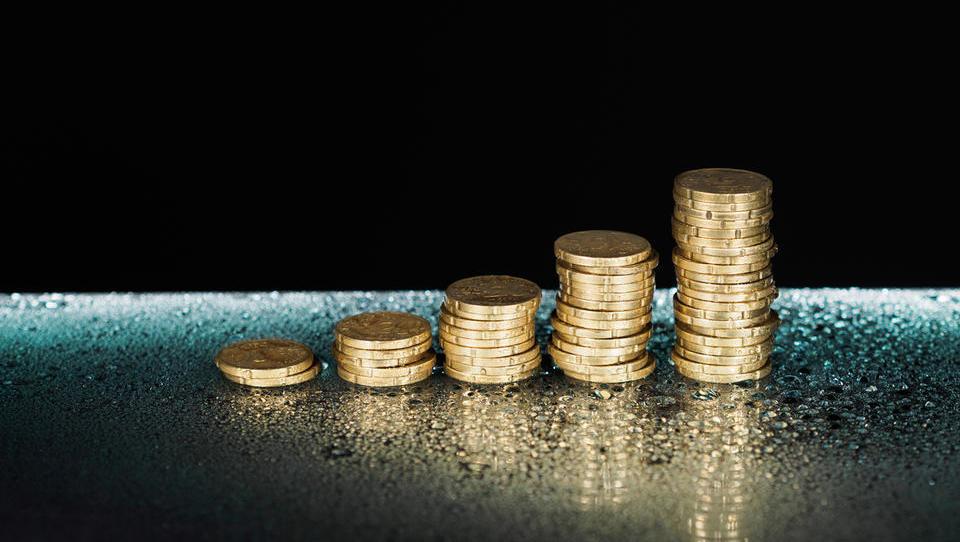Plaz prodaj podjetij Slovencev: v štirih letih za milijardo in pol kupnin