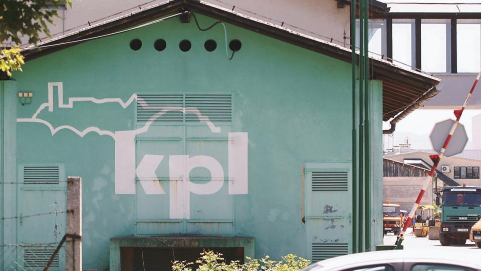 Gradbinec KPL mika sedem kupcev