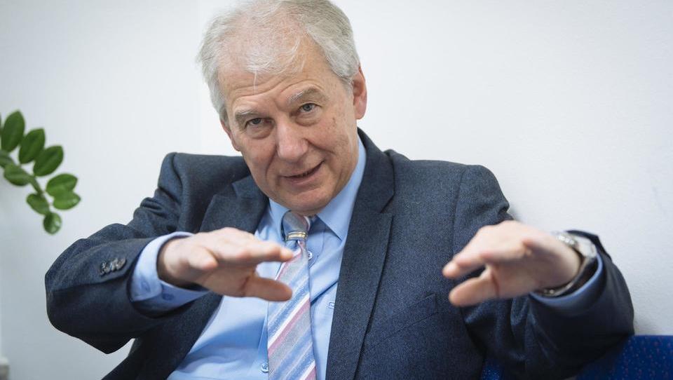 Davorin Kračun, fiskalni svet: Vlada je kot goslač na strehi
