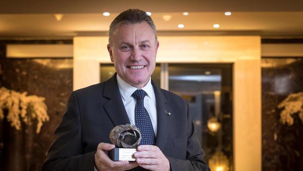 Nagrada Financ za posebne gospodarske dosežke v roke Edija Krausa