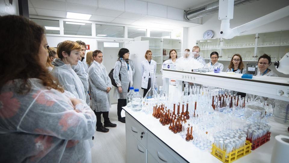 Familienunternehmen, das sich mit biologischen Arzneimitteln beschäftigt
