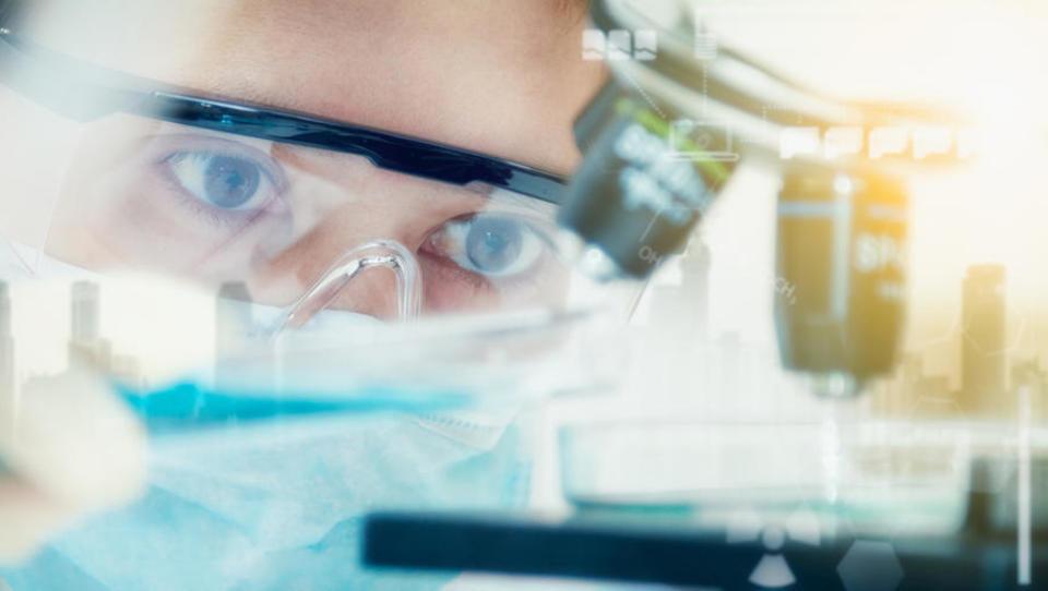Po identifikaciji učinkovitih protivirusnih protiteles klinični razvoj in proizvodnjo prevzema