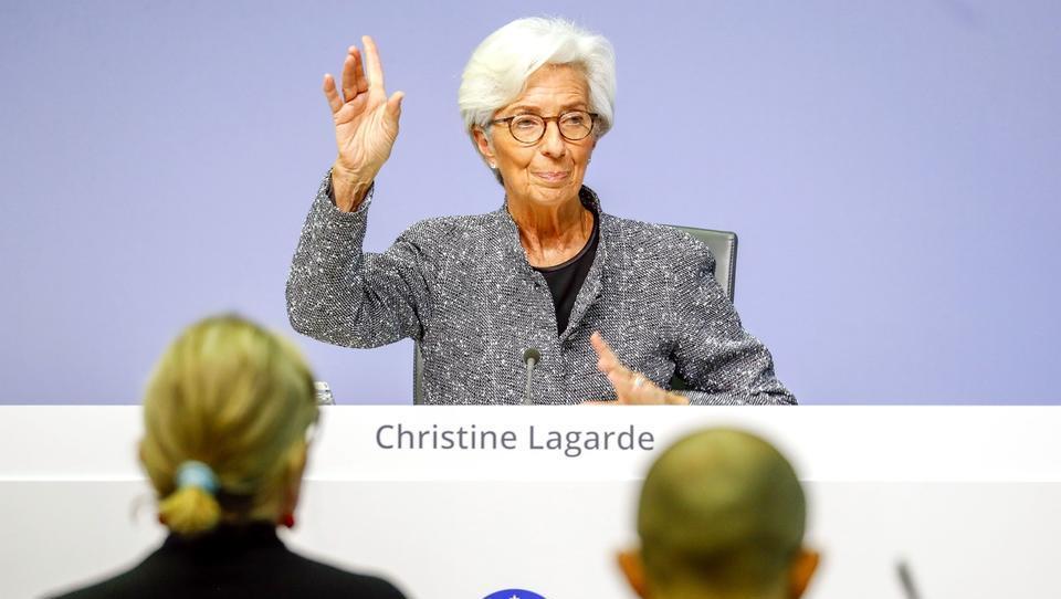 ECB pušča obrestno mero nespremenjeno na -0,5%, poziva k odgovoru s fiskalno politiko