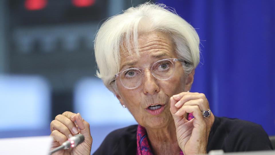 Christine Lagarde: ECB mora biti spretna v boju proti gospodarskemu ohlajanju