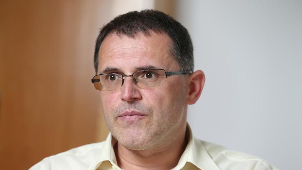 »UKC Maribor želim spremeniti v ustanovo, kjer si bodo vsi želeli delati«