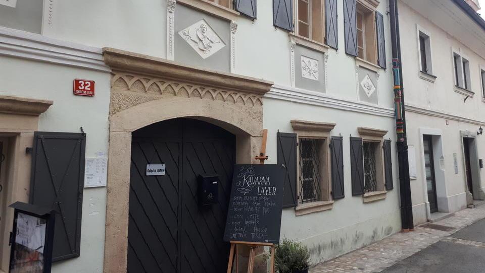 200-letna Layerjeva hiša, hiša slikarja in ponarejevalca denarja