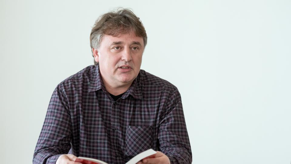 Lovec na komuniste Roman Leljak v vrtincu dolgov