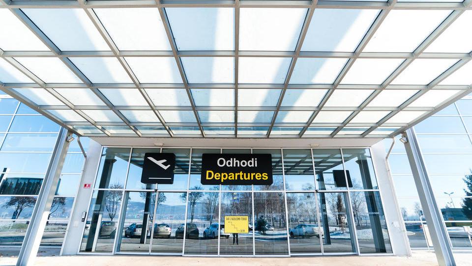 Kitajci odpovedujejo najemno pogodbo na mariborskem letališču