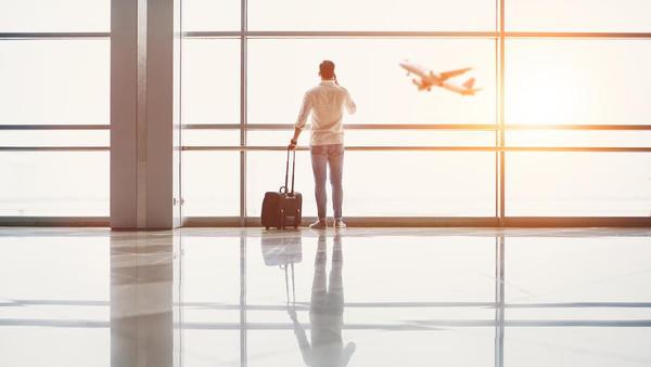 Zaradi novega koronavirusa evropske države prepovedujejo letalske povezave z Veliko Britanijo