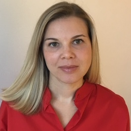 Maja Levstek, revija Mineral