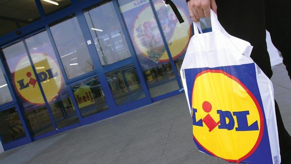 Septembra na blagajnah ne bo več plastičnih vrečk