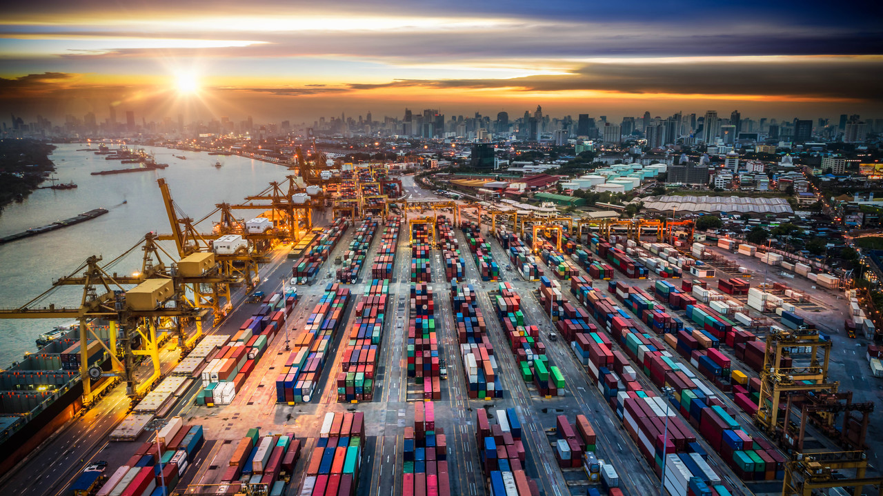 (Analiza) Koncentracija v logistiki: kje bi se morali prižigati alarmi za investitorje