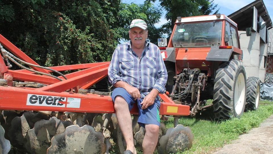 Kmetje, večino strojev lahko vržete v koprive