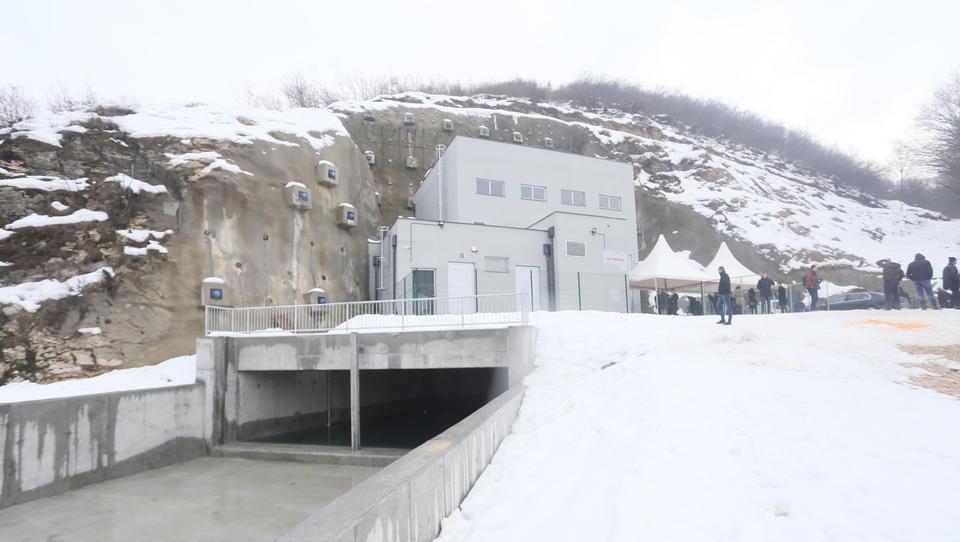 Slovenci v Bosni postavili malo hidroelektrarno