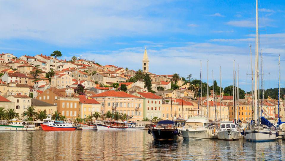 Zanimive dražbe na Hrvaškem: apartmaji, hoteli, penzioni in mini smučišče