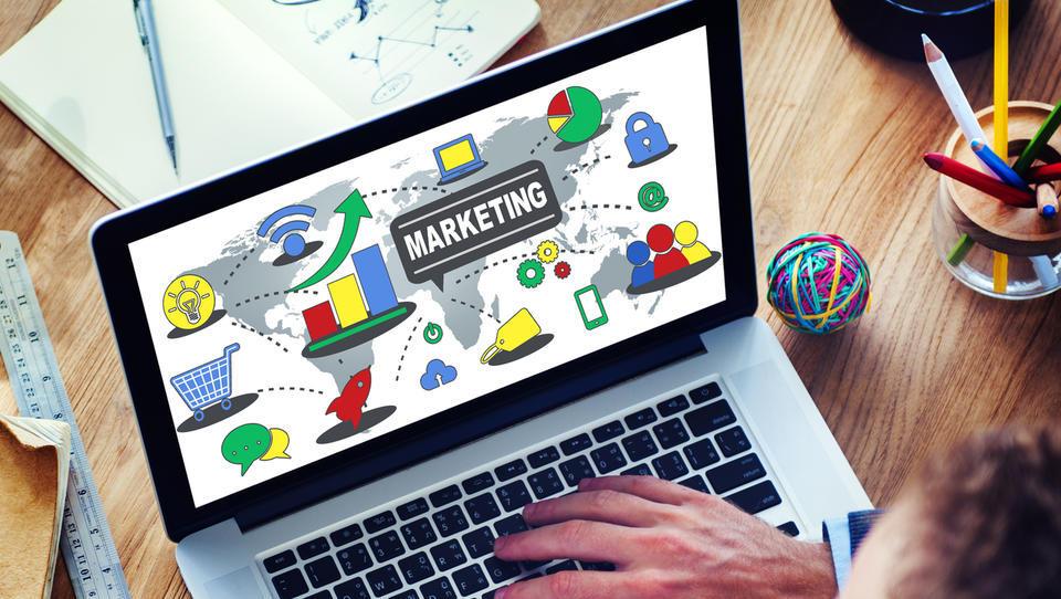 7 poti do poceni reklame
