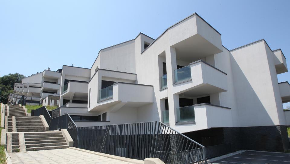 Top dražbe: Stanovanja v Kranju, Nokturnem, pisarne v Kopru,...