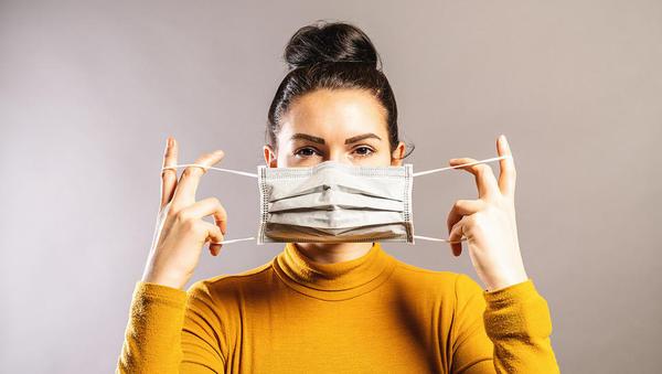 Katerim samozaposlenim in mikropodjetjem bo OZS delil brezplačne maske