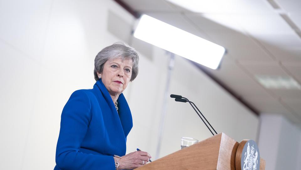 Konservativci odstavljajo Thereso May - kaj to pomeni zanjo, za vlado in brexit