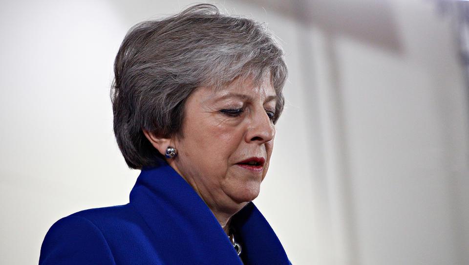 Theresa May bo z vrha stranke odstopila sedmega junija