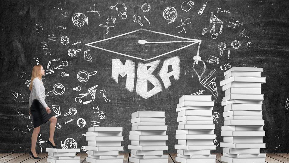 Z MBA hitreje do boljše službe in višje plače