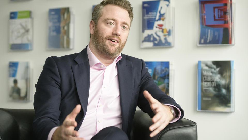 (intervju: Alec McCullie, KPMG) Celosten pristop k industriji 4.0 prinese največ koristi