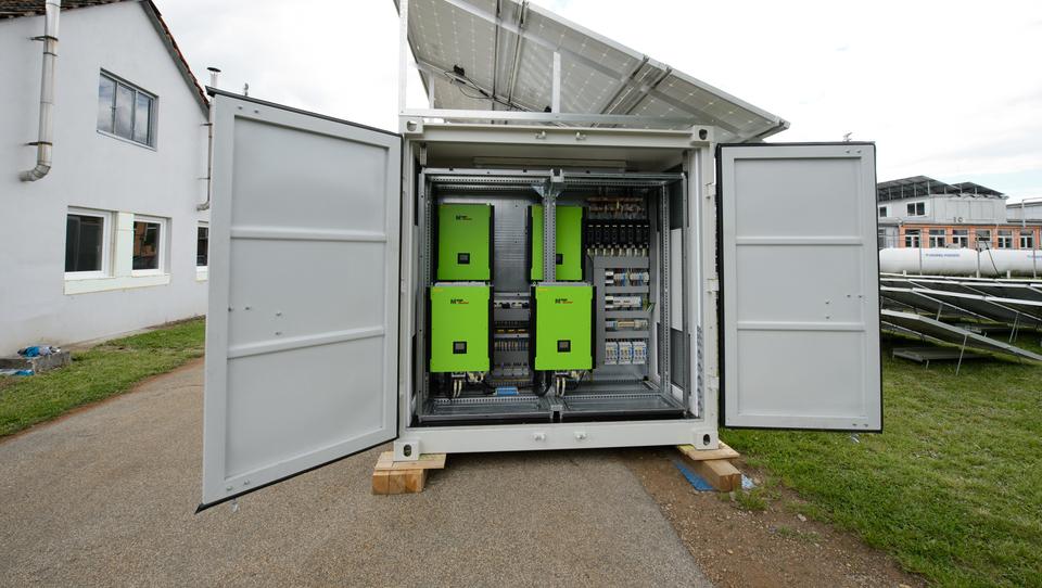 Mariborski start-up predstavil hibridni sistem oskrbe z energijo
