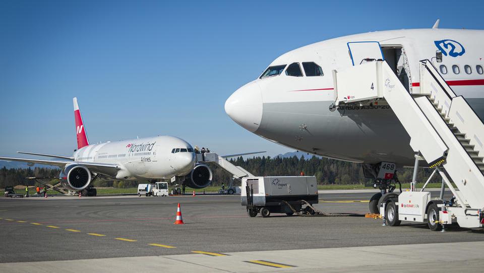 Bo od jutri v Sloveniji spet dovoljen letalski potniški promet?