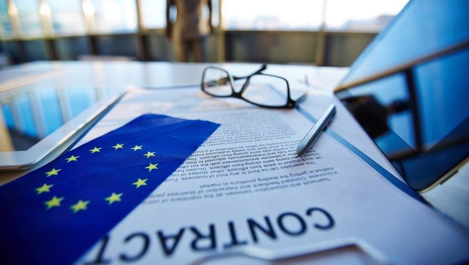 Evropska komisija bi brezposelnim olajšala zaposlovanje v tujini