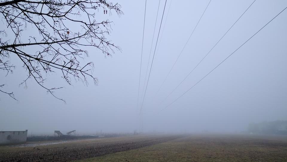 Zaradi nizkih temperatur so na Balkanu zapirali meje za elektriko