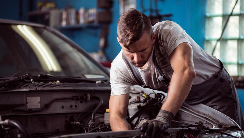 Avtomobilske znamke, s katerimi imajo ameriški mehaniki najmanj dela