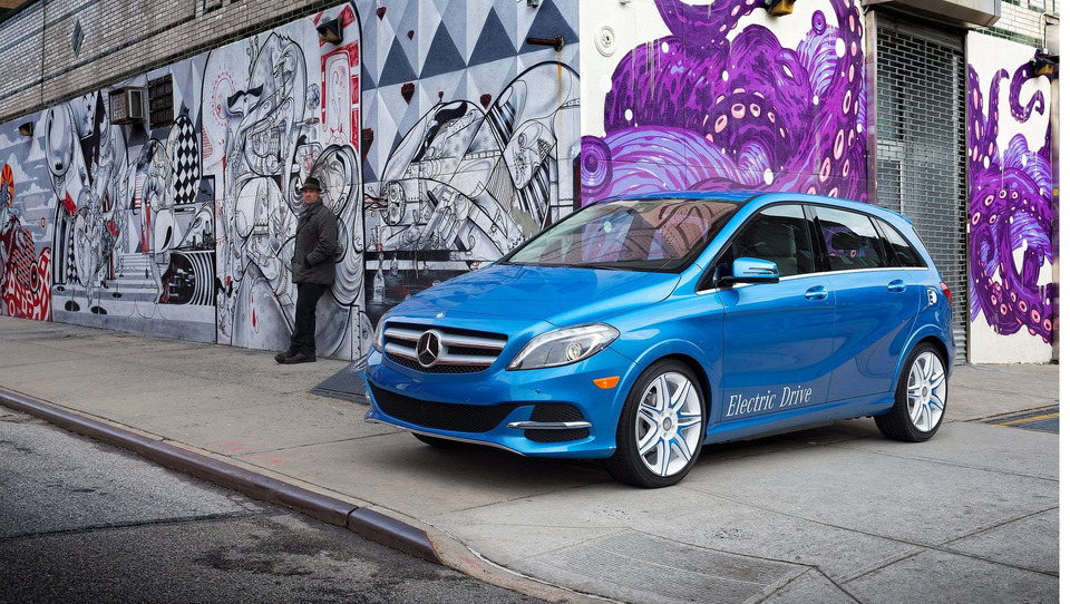 Prenovljeni Mercedes B tudi na elektriko