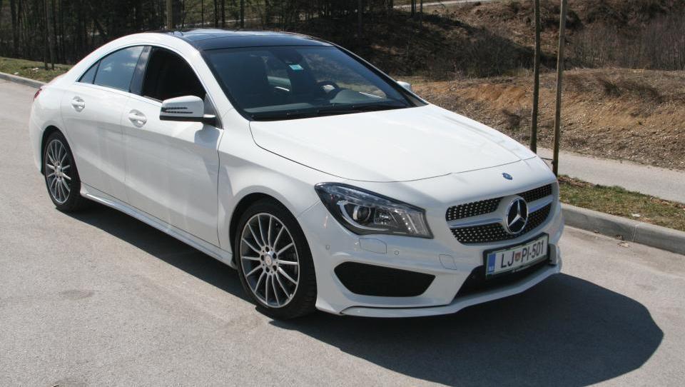 Mercedes zaradi navala na CLA uvaja tretjo izmeno