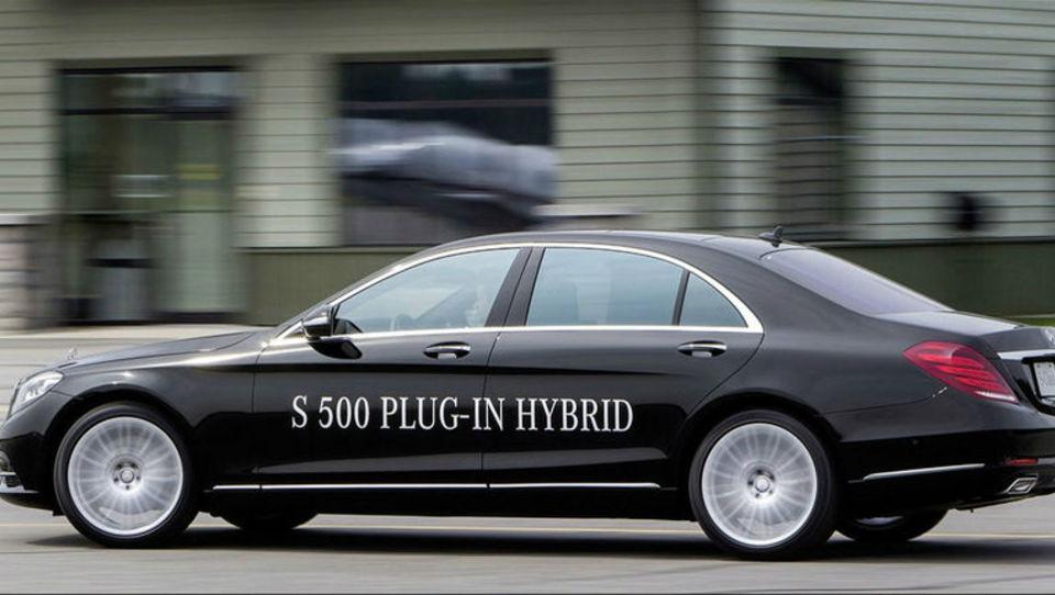 Mercedes prihodnost vidi v priključnih hibridih