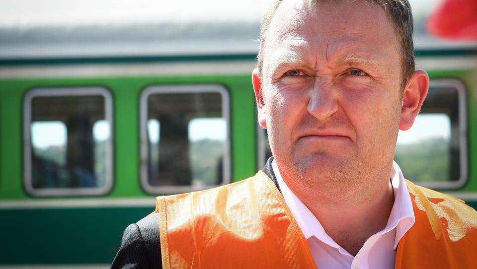 Dušan Mes: Danes ni najboljši dan, dobili smo eno samo ponudbo za potniške vlake