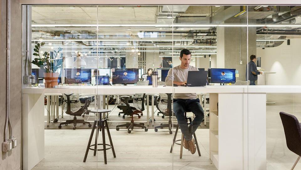 Microsoft Teams je najhitreje rastoča aplikacija za pogovore in sodelovanje na delovnem mestu