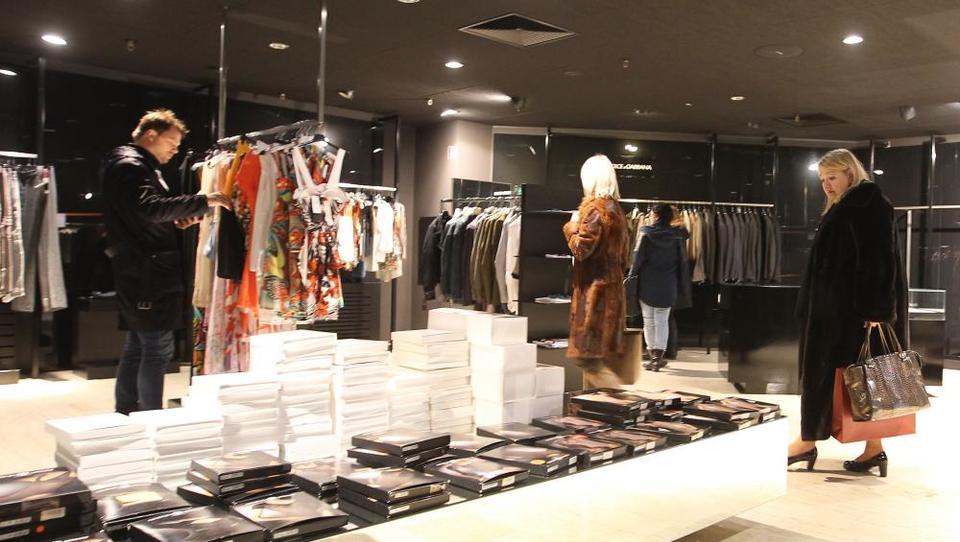 (foto) Armani, Dolce&Gabbana in Diesel kupce pustili hladne