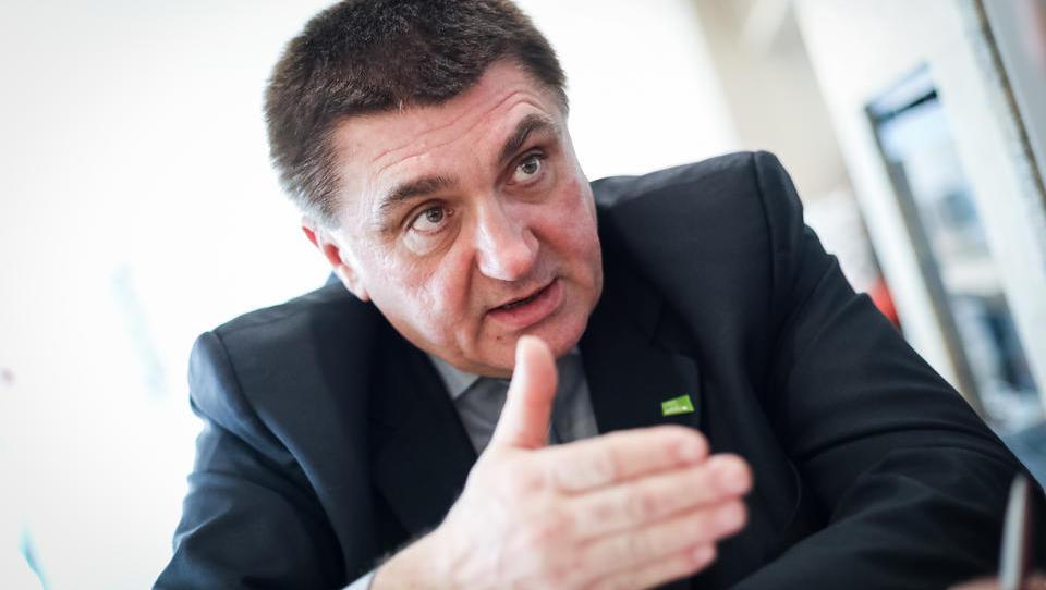 (Intervju) Peter Misja, župan Podčetrtka: Občani so nam zemljo za ceste podarili